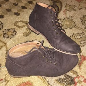 BDG Size 7 Brown Leather Shoes